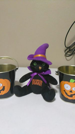 2 buckets and 1 Halloween stuffed animal for Sale in Calexico, CA