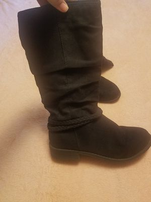 Girls size 4 boots for Sale in Montgomery, TX