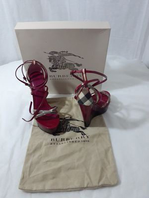 Size 8 Burberry wedges heel for Sale in Arlington, TX