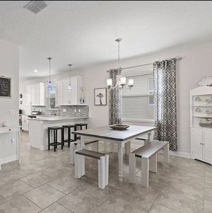 Kitchen Table for Sale in Clermont, FL