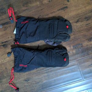 Marmot Goretex Three Finger Glove/Mitten for Sale in Huntington Beach, CA