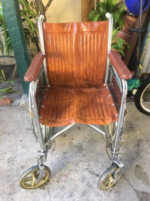 Well chair for Sale in Los Angeles, CA