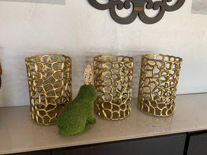 Hurricane pillar candle holders indoor/outdoor for Sale in Miami, FL