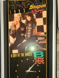 VTG 1993 SNAP-ON DAY AT THE RACES WALL CLOCK for Sale in Valley City,  OH