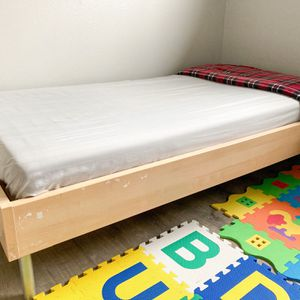 Single Bed With Mattress for Sale in Auburn, WA