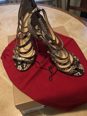 Mariniere 100 Python Lucido Christian Louboutin only worn 4 Times. for Sale in Monroeville, PA