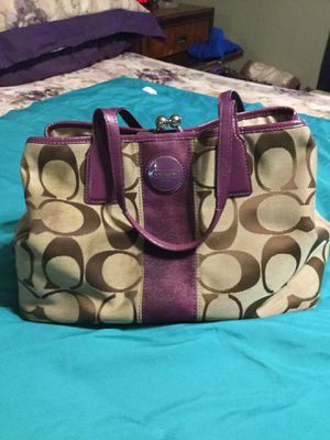 Ladies Coach purse. for Sale in Antioch, CA