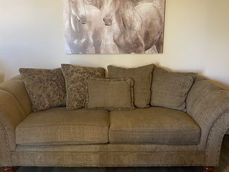 Couch w/ Reversible Pillow Cushions for Sale in Surprise,  AZ