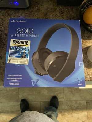 PS4 gold wireless headset fornite bundle for Sale in Horseheads, NY