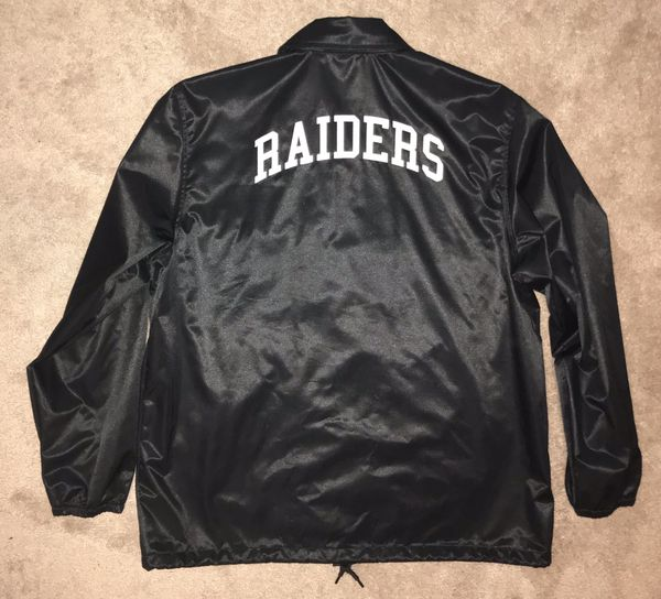 wholesale dealer 07d7f bdfce Mitchel & Ness Oakland Raiders Jacket XXL for Sale in Las Vegas, NV -  OfferUp