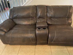 4 pc Leather Sectional Couch for Sale in Kissimmee, FL