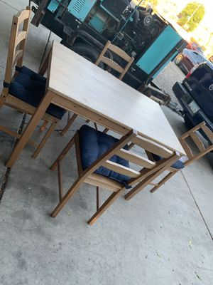 Small Kitchen table for Sale in Glendale, AZ