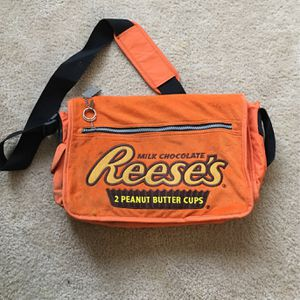 Genuine Reese's Messenger Bag for Sale in Hartford, CT