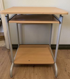 Computer Desk with Keyboard Tray for Sale in Corona, CA