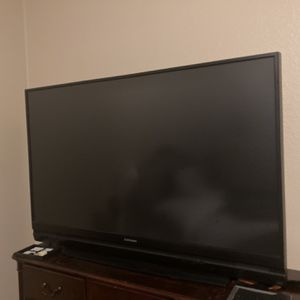 60 Inch Mitsubishi TV for Sale in Temecula, CA