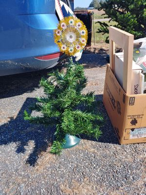 Small Christmas tree with topper for Sale in Knotts Island, NC