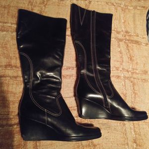 Black leather boots Size 6.5M for Sale in Oldsmar, FL