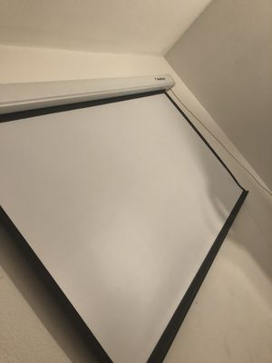 Redleaf projector screen for Sale in Tracy, CA