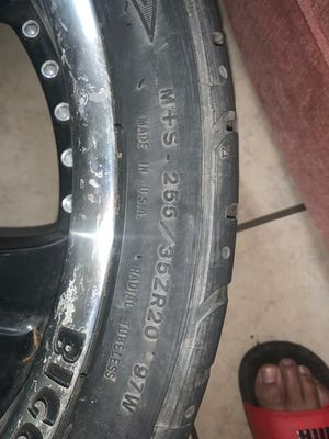 Rims sizes 20 in good condition universal 5 lugs for Sale in Reynoldsburg, OH