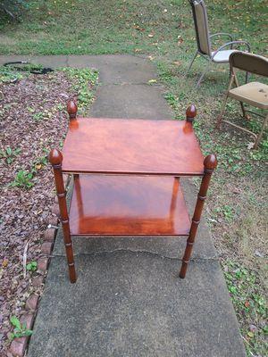 Small side tabke for Sale in Norcross, GA