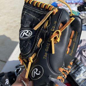 Baseball Glove 11.5 Inches for Sale in Bakersfield, CA