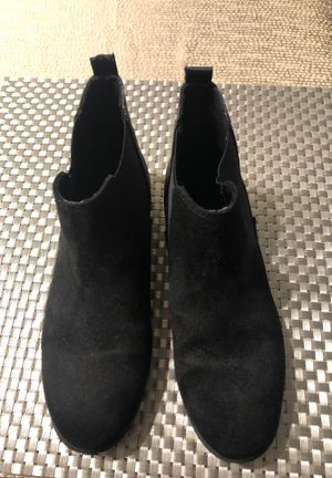 Girl 🥾 boots size 1 1/2 for Sale in South Miami, FL