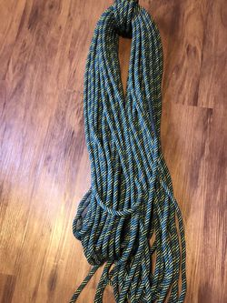 Maxim Clibing Rope (9.5mm x 70m) for Sale in Seattle,  WA