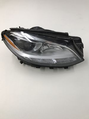 16 17 Mercedes GLE Class Halogen OEM Headlight A1668201859 RIGHT SIDE for Sale in Burbank, CA