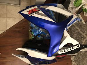 2006 Gsxr I have everything To complete bike besides frame and motor Everything's for sale plastics handlebars chain, swing arm, seats, tank for Sale in San Jose, CA