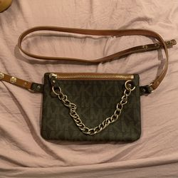 Micheal Kors Waist Bag for Sale in Tualatin,  OR