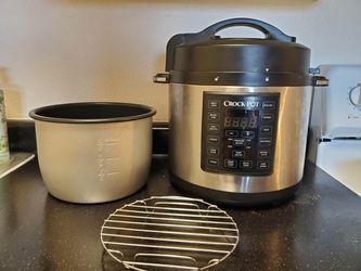 Crock Pot used a few times. for Sale in Glendale,  CO