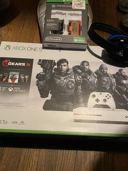 Xbox One S 1TB for Sale in Lyndhurst,  VA