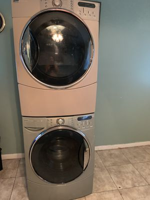 Washer and dryer kenmore stackable or side by side for Sale in Hendersonville, TN