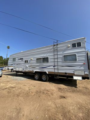 2004 Thor wanderer 5th wheel toy hauler for Sale in Lakeside, CA