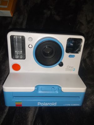 Full-size Polaroid camera with extra pack of film for Sale in Memphis, TN