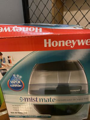 Small humidifier Honeywell for Sale in Pepper Pike, OH