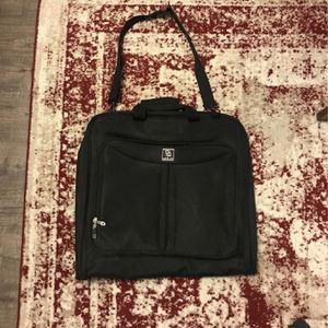 Zegur Large Garment Bag Luggage for Sale in Brooklyn, NY