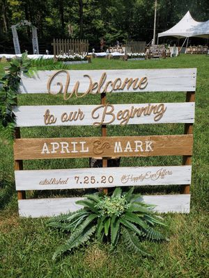 Rustic WEDDING DECOR and signs for Sale in Jacksonville, NC