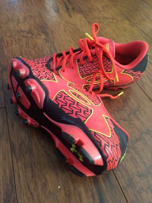 Under armour cleats size 4.5 youth for Sale in Paragould, AR