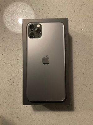 iPhone 11 Pro Max Space Gray 256 gigabyt for Sale in Alexandria, VA