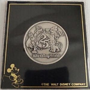 Walt Disney World 25th Anniversary Coin for Sale in Midlothian, VA