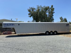 2015 Grey 40' Enclosed Trailer for Sale in Visalia, CA