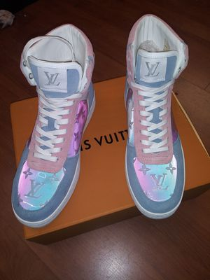 Lv sneakers size. 10 for Sale in New York, NY