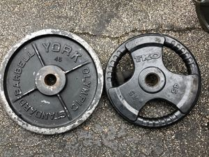PAIRS OF 45 LB. (NON MATCHING 4Y POUND OLYMPIC PLATES for Sale in Deerfield Beach, FL