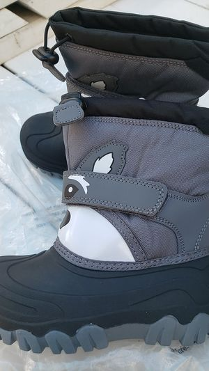 New snow boots size 11 kids for Sale in Bellflower, CA