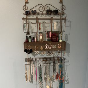 Metal jewelry organizer in bronze color for Wall & Door by Longstem for Sale in Los Angeles, CA