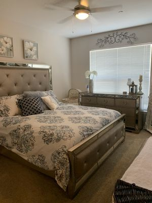 Full king size bedroom set for Sale in Issaquah, WA