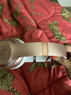 Dr. Dre beats solo wireless Rose gold for Sale in Germantown,  MD