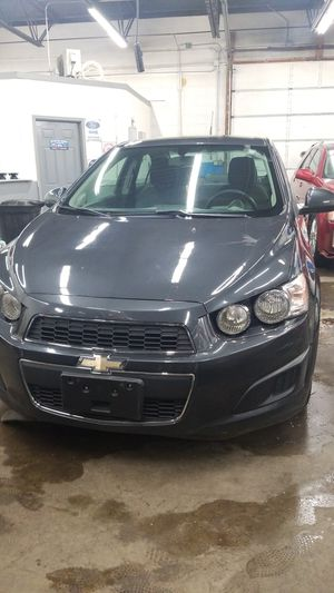 2014 chevy sonic for Sale in Hammond, IN