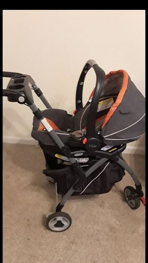 Graco SnugRide Click Connect 35 Infant Car Seat, Tangerine for Sale in Brooklyn, NY